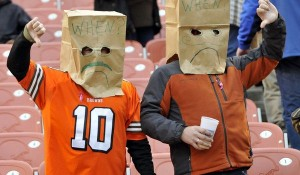 cleveland-browns-fans-paper-bags-600x350